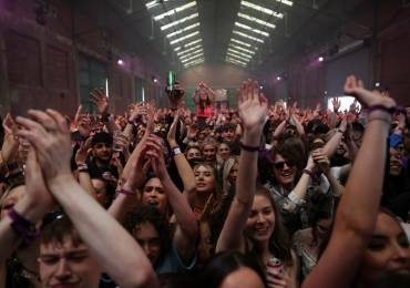 After Spain, Britain organized an experimental concert too - thousands partying without masks and distance